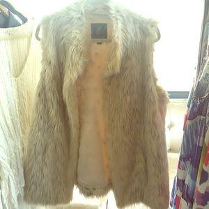 Rachel Zoe faux fur vest: Size L,